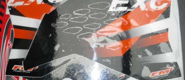 Kit déco FM RACING KTM EXC/EXCF 08-11. Crédits : ©EMX