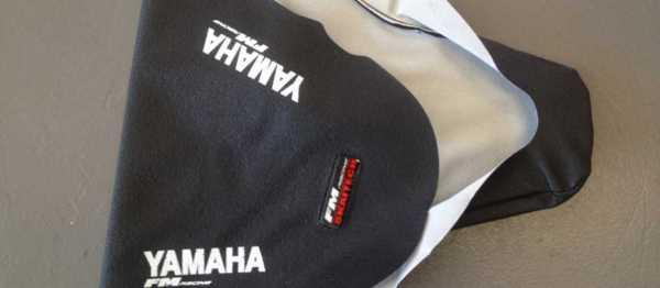 Housse de selle FM RACING YAMAHA WRF 250 07-14 WRF 450 07-11. Crédits : ©EMX