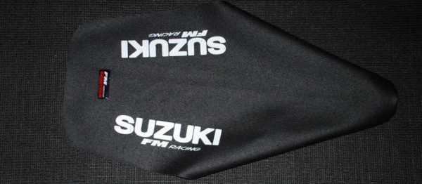 Housses de selle FM RACING SUZUKI RM 125/250 01-15. Crédits : ©EMX