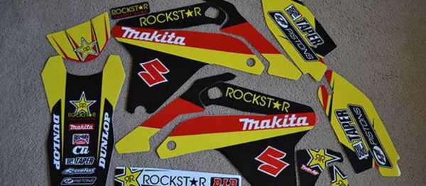 Kit déco GRN ROCKSTAR SUZUKI RMZ 450 05-06. Crédits : ©EMX