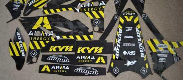 Kit déco FLU DESIGN ARMA YZF 250 10-13. Crédits : ©EMX