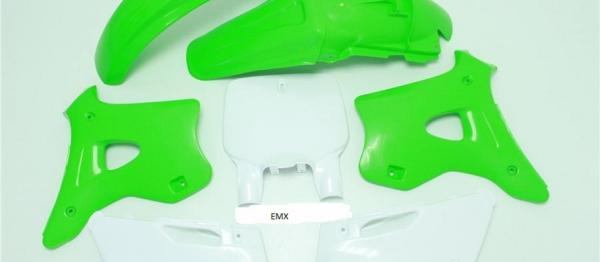 Kit plastiques KAWASAKI KX 125/250 94-98. Crédits : ©accessoires-moto-enduro-cross.fr 2018