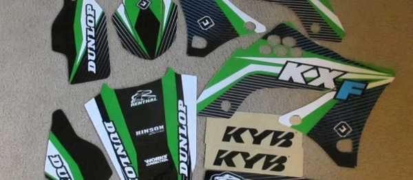 Kit déco FLU DESIGN KAWASAKI KXF 450 09-11. Crédits : ©accessoires-moto-enduro-cross.fr 2015