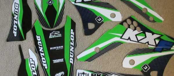 Kit déco FLU DESIGN KAWASAKI KXF 250 06-08. Crédits : ©accessoires-moto-enduro-cross.fr 2015