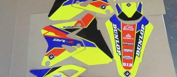 Kit déco FLU DESIGN SUZUKI DRZ 400 96-08. Crédits : ©accessoires-moto-enduro-cross.fr 2015