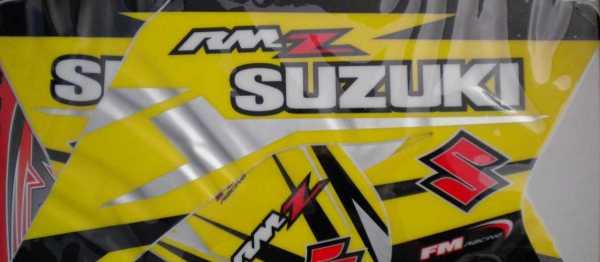 Kit déco FM RACING SUZUKI RMZ 250 05-06. Crédits : ©accessoires-moto-enduro-cross.fr 2015