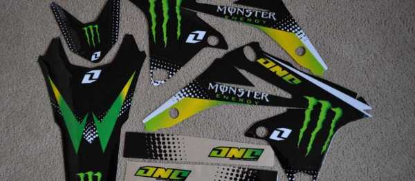 Kit déco ONE INDUSTRIES MONSTER RMZ 250 10-18. Crédits : ©accessoires-moto-enduro-cross.fr 2015