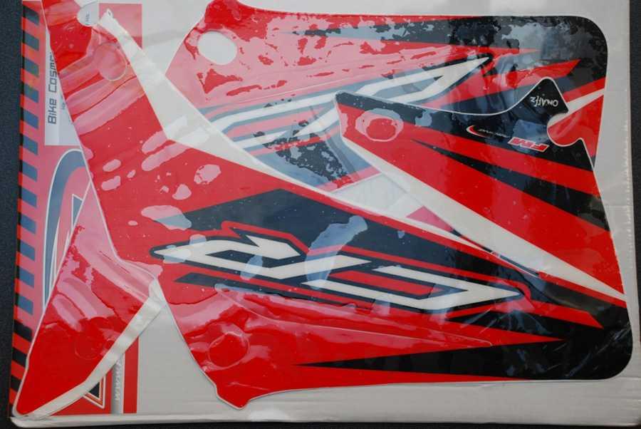 Kit déco FM RACING HONDA CR 125/250 02-08. Crédits : ©EMX