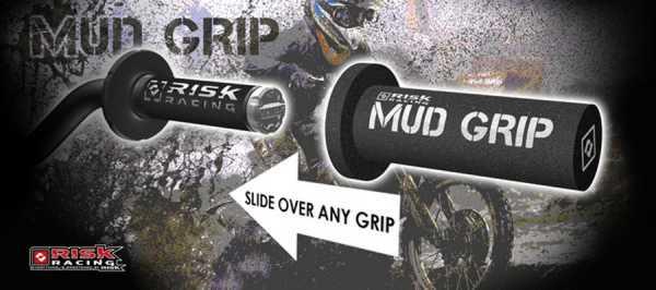 Protections de poignées mud grip risk racing. Crédits : ©EMX